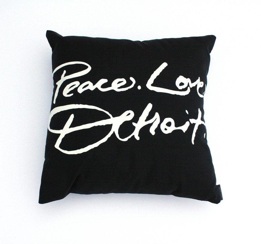 blk_pillow